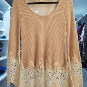 Very nice sweater/blouse with embroidery